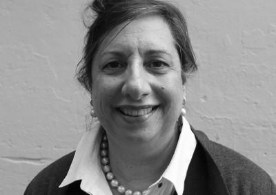Dr Lea Crisante